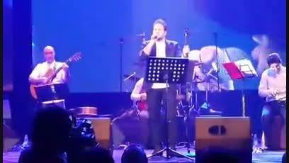 کلیپ تهران شلوغه علی عبدالمالکی در کنسرت 24 خرداد