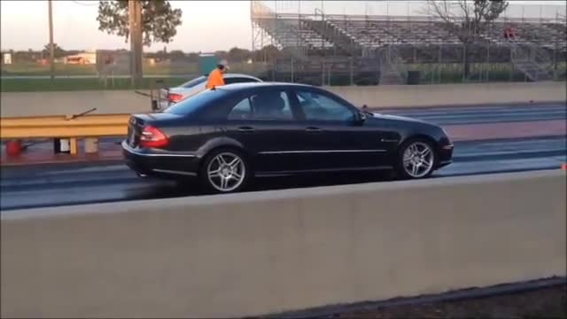 MERCEDES BENZ E55 AMG vs. BMW M3 DRAG RACE