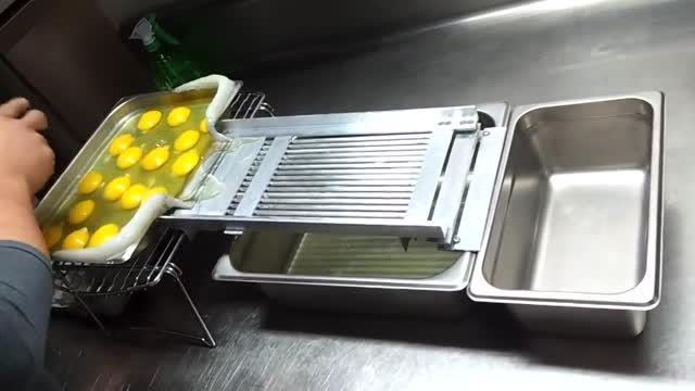 جدا کردن زرده از سفیده تخم مرغ با روش جدید