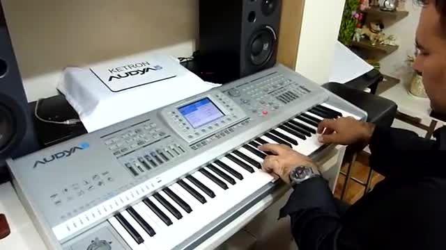 قطعه موسیقی ترکی با Audya5