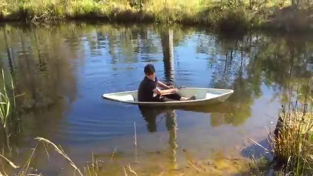 قایق سواری رو حال کن ( قایق که نه تشت ...)