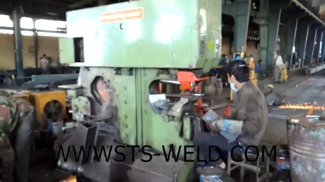 نحوه پانچ ورق در کارگاه ساخت سازه های فلزی