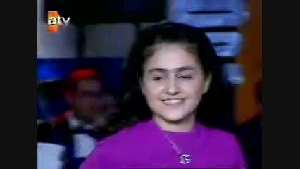 آهنگ دونیا دونیا ، کودکی گونل