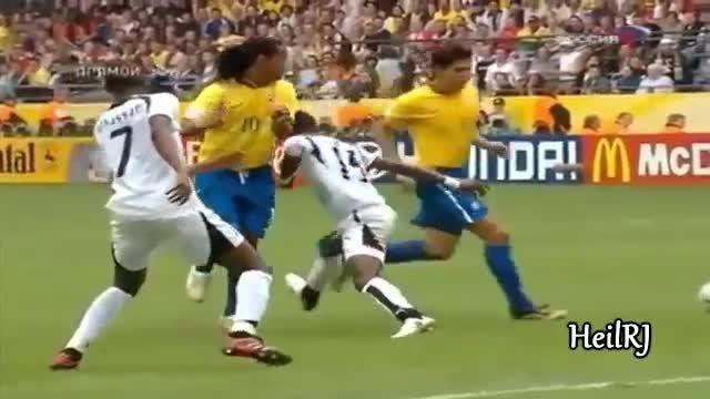 گلها و حرکات رونالدینیو در تیم ملی برزیل