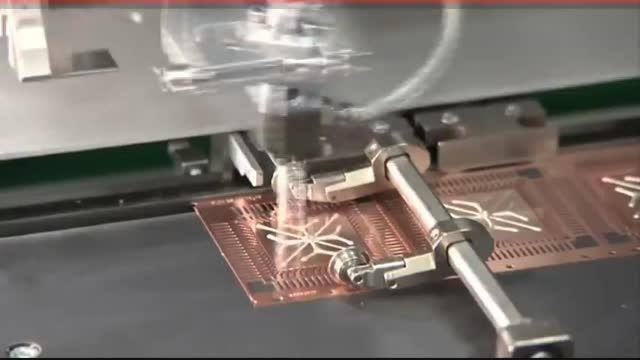 تزریق پلیمر در خط تولید مدار الکتریکی