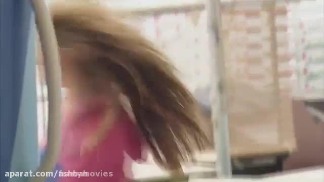 دوربین مخفی خنده دار دختر منجمد شده در فریزر