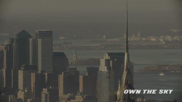 پرواز با جت پک در اطراف مجسمه آزادی نیویورک