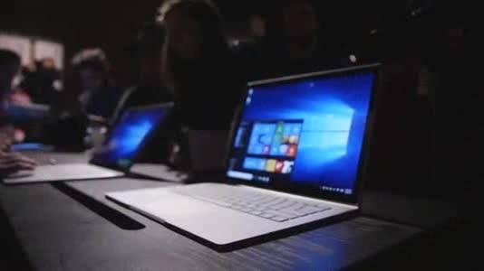نگاه نزدیک به لپ تاپ سرفیس بوک مایکروسافت