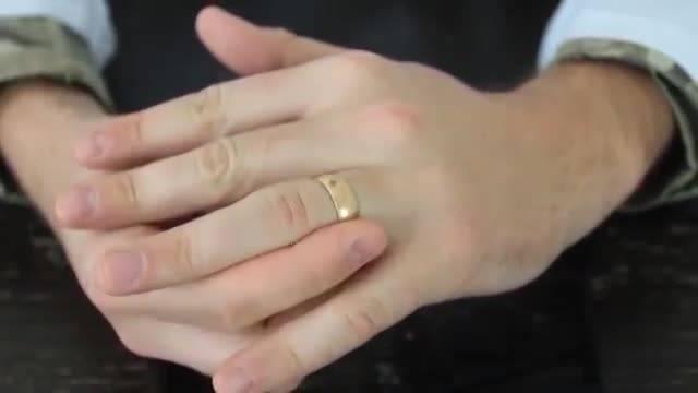 انگشتر در انگشت شما گیر کرده است؟ روش در آوردن.