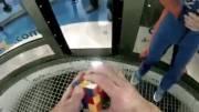 حل مکعب روبیک در تونل هوا (خیلی باحاله)