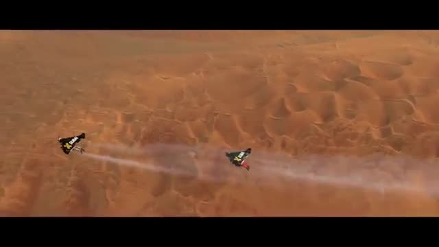 پرواز هیجان انگیز بر فراز آسمان دبی با jetpack