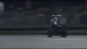 دانلود و تماشای کلیپ زیبای مهارت در موتورسواری