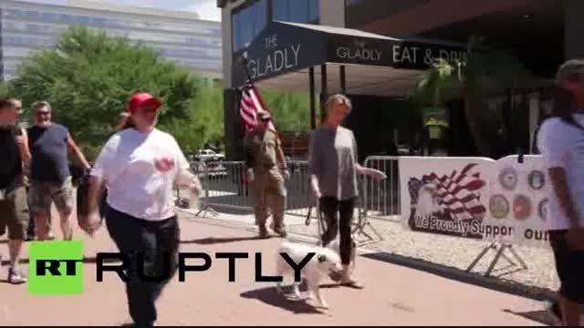 تظاهرات کهنه سربازان آمریکایی علیه سناتور مک کین