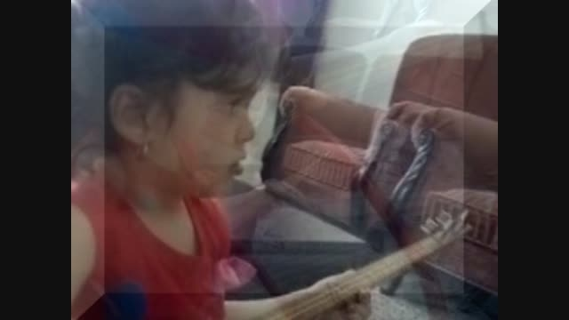 نفس اتابکی.سه تار نواز 4 ساله.