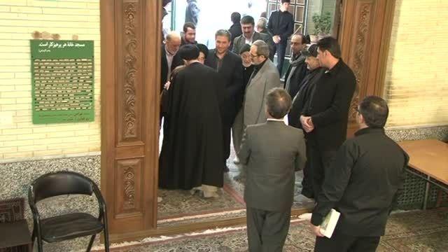 آیت الله قریشی در مراسم یادبود والده دکتر احمدی نژاد