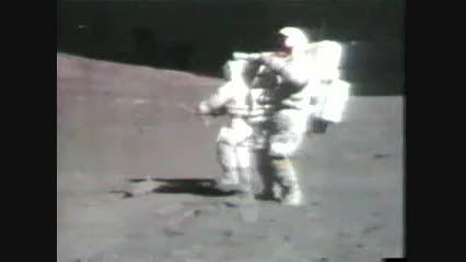 زمین خوردن فضانورد هنگام آزمایش ...خخخخ
