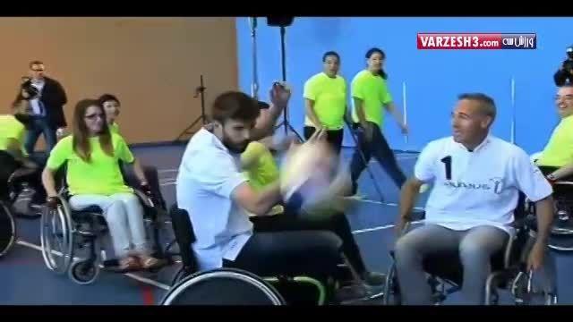 بسکتبال با ویلچر بازی کردن جرارد پیکه