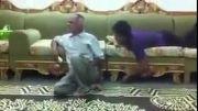 انفجار ترقه کنار پیرمرد