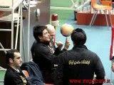 چرخاندن توپ والیبال توسط رضا گلزار 2