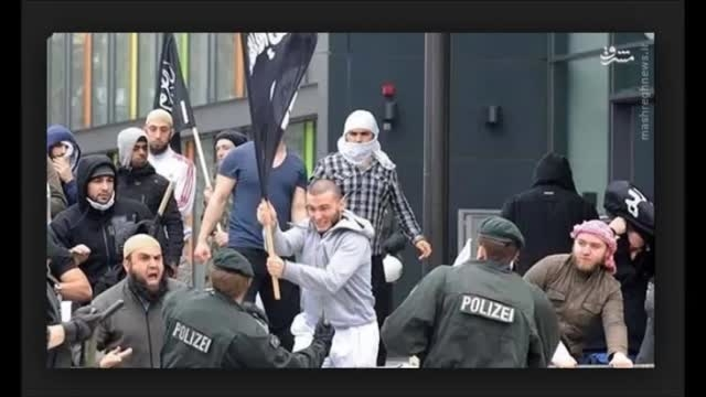 پرچم داعش این بار مقابل پارلمان انگلیس-عراق-سوریه