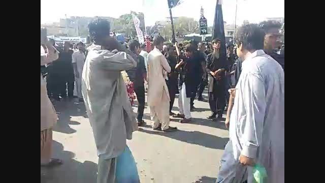مراسم گردنبندگل درعزاداری شیعیان پاکستان