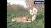 حرکات خنده دار حیوانات وسط گزارش