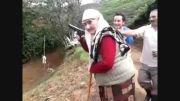 مادر بزرگ هفت تیر کش
