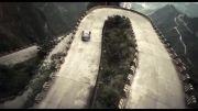 کلیپ دریفت در یک جاده مارپیچ و خطرناک توسط دو راننده حرفه ای