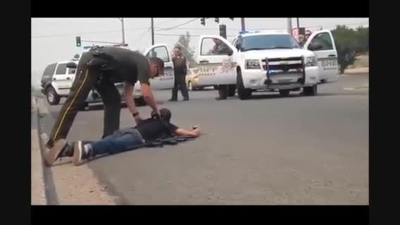 ویدئو؛ برخورد پلیس آمریکا با سیاهان و سفید پوستان