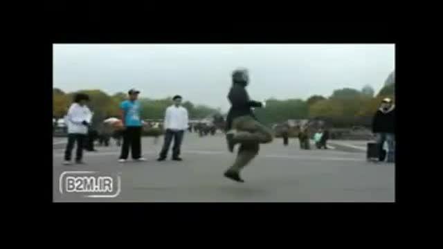مسابقه تكنو بین دخترا و بسرا (رقص پا)