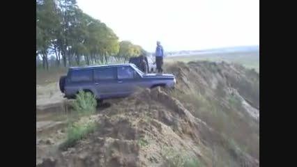 پایین رفتن نیسان سافاری از دره خطرناک