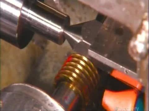 تولید دستگاه پنوماتیک ضربه ای (صنایع ماشین سازی)