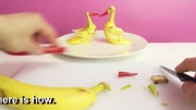 میوه آرایی موز به شکل اردک زرد!