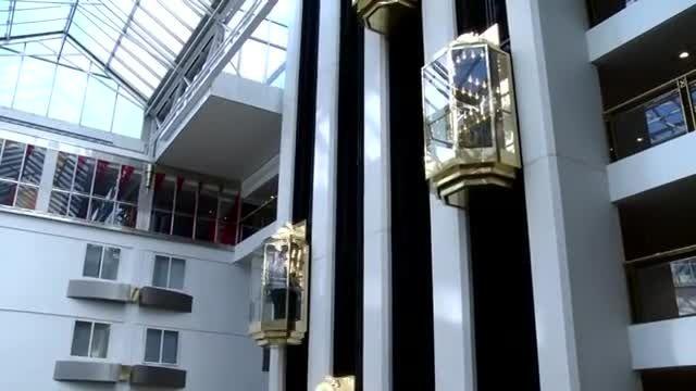 ■ دوربین مخفی آسانسور سخنگو ■