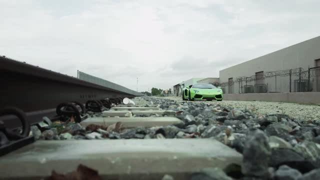 ویدیو بسیار باحال از لامبورگینی با کیفیت HD(نماشا)