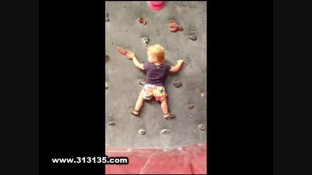 سنگ نوردی کودک 19 ماهه بدون طناب