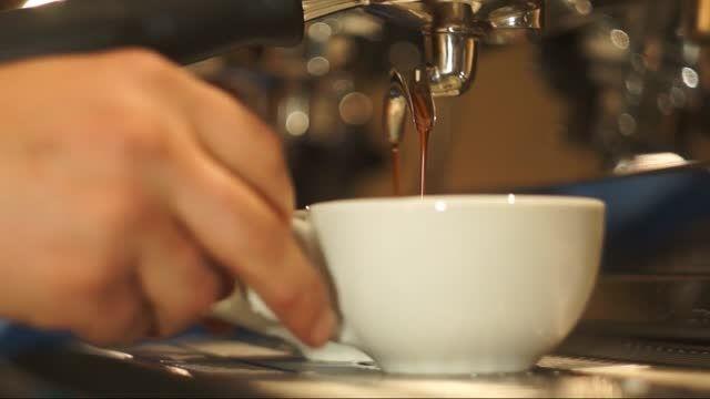 آموزش تهیه قهوه - لاته