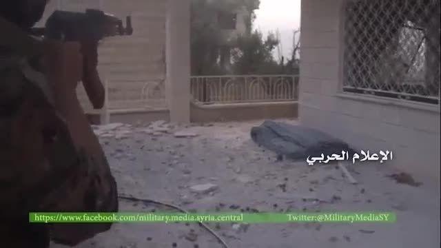 مهارت یکی از رزمندگان حزب الله در عوض کردن خشاب