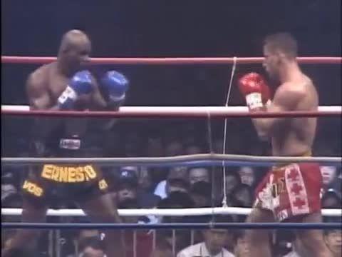 مبارزه اَندی هوگ و اِرنستو هوست 1997