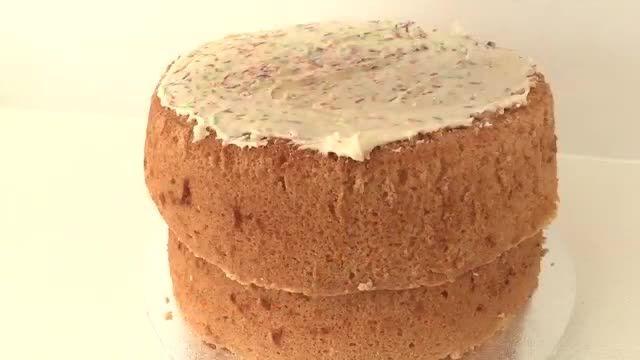 آموزش پخت کیک به شکل سیندرلا