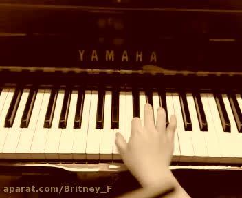 کاور آهنگ بریتنی اسپیرز با پیانو (18)