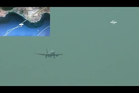 آتش گرفتن موتور هواپیما روی باند!!!!