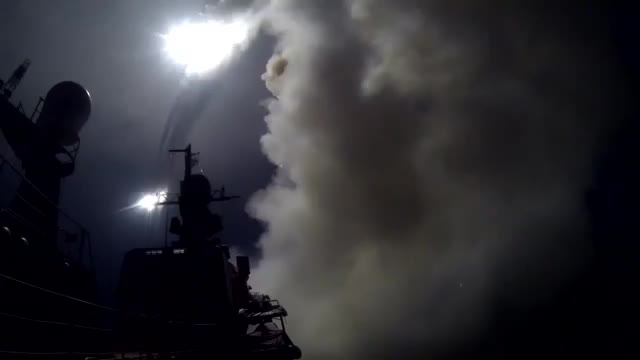 شلیک موشک هدایت شونده از ناو روسی در دریای خزر به سوریه