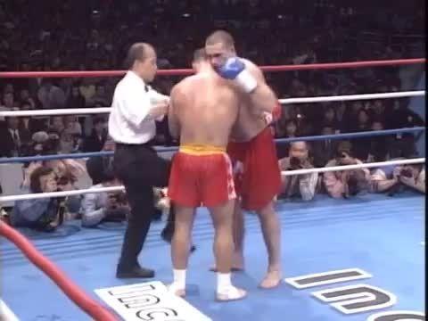 مبارزه اَندی هوگ و پیتر آرتز 1997