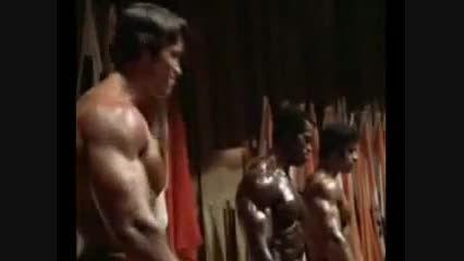 لو فریگنو و آرنولد در مستر المپیا 1975