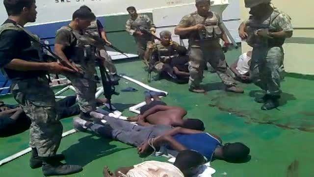 دستگیری دزدان دریایی توسط نیرو دریایی ارتش