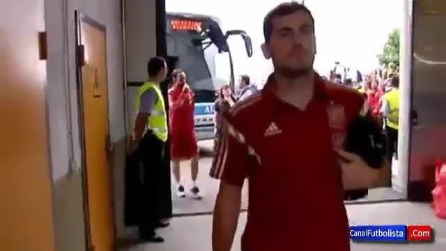 تشویق ایکر کاسیاس در تمرینات تیم ملی اسپانیا