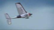 جدا شدن بال هواپیما مدل و سالم نشوندش توسط مدلر