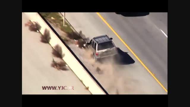 چپ کردن خودرو هنگام فرار از دست پلیس!!!!