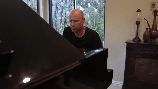 ویدیو اجرای موسیقی متن بازی Fallout 4 - زومجی